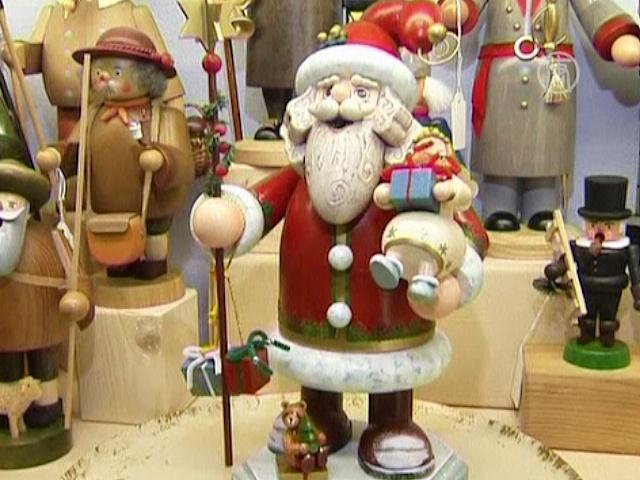 За немецкими елочными игрушками едут со всего мира - телеканал NTD