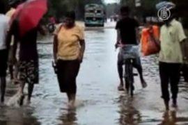 Число жертв наводнения в Шри-Ланке растет