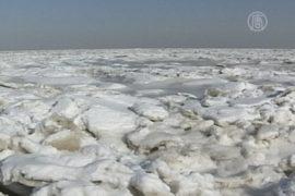 На востоке Китая очень быстро замерзает море
