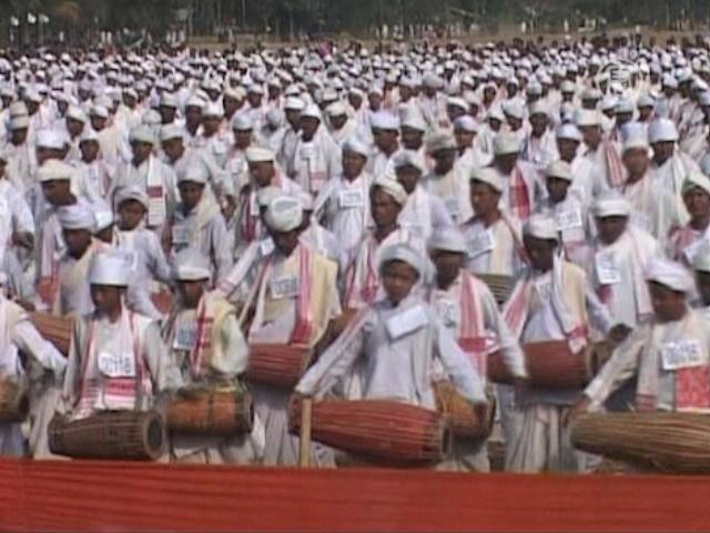 Почти 15 тысяч барабанщиков установили рекорд