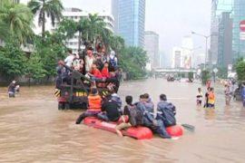 Столицу Индонезии затопило, есть жертвы