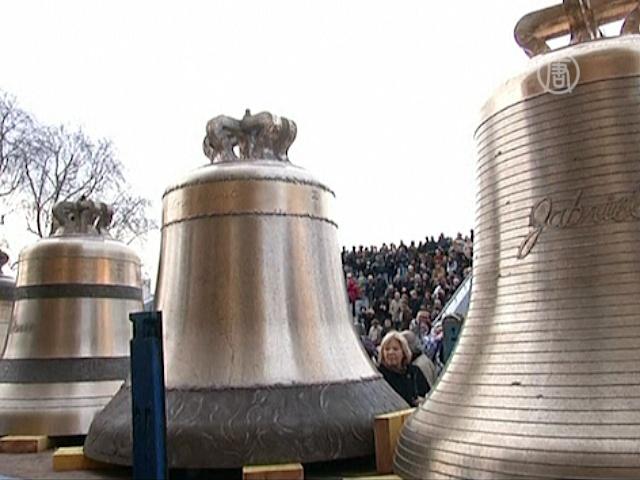 Нотр-Дам де Пари встречает новые колокола
