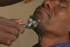 Парикмахер из Тимбукту снова может брить бороды