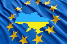 В украинских кафе и ресторанах уже 2 месяца не курят