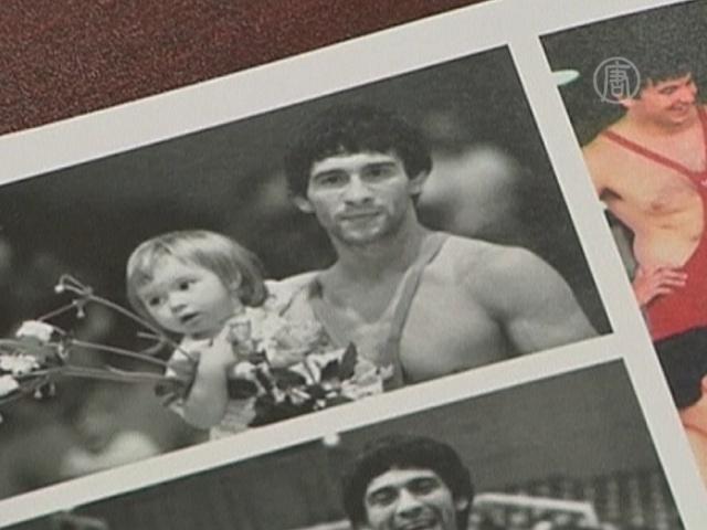 Олимпийский чемпион вернул медаль в знак протеста
