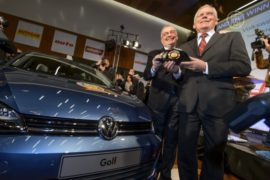 Volkswagen Golf стал автомобилем 2013 года