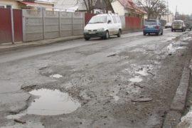 Четверть украинских дорог разрушена