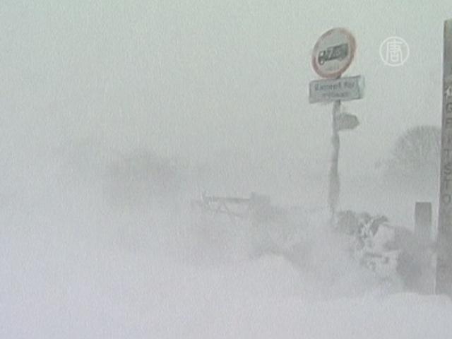 На Великобританию обрушились снегопады и дождь