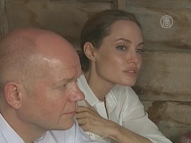 Анджелина Джоли хочет пресечь сексуальное насилие