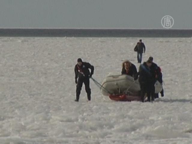 В Латвии спасли из ледового плена 220 человек