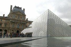 Лувр заполонили карманные воры