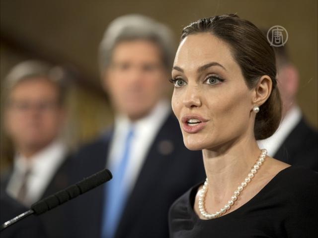 Анджелина Джоли выступила на саммите G8