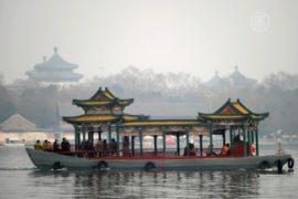 Туристы в КНР едут меньше, но тратят — больше