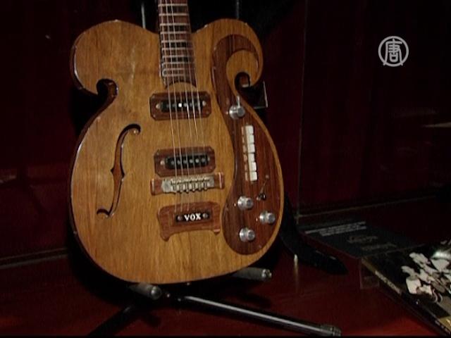 Уникальную гитару The Beatles выставят на торги