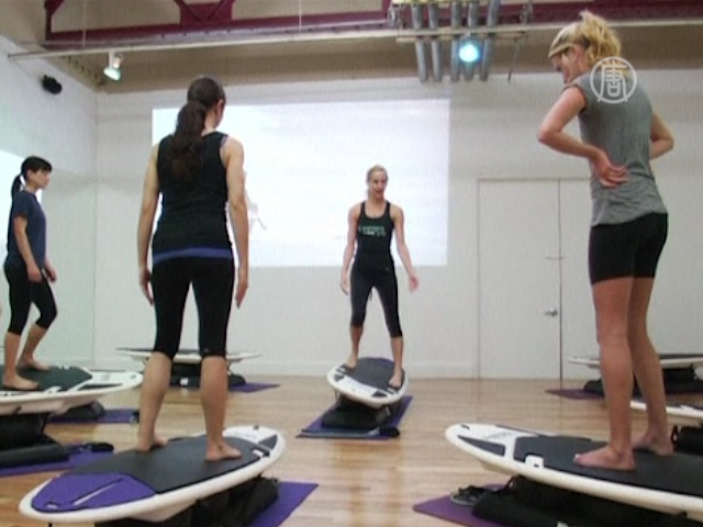 Сёрфинг в зале для фитнеса предлагают в США