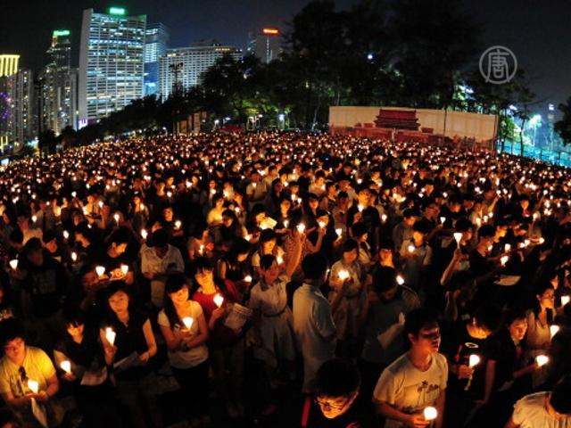 Десятки тысяч человек почтили память студентов