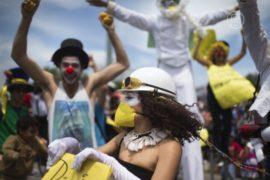 6-й день протестов в Стамбуле напоминает праздник