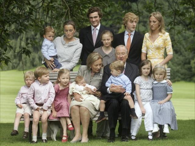 Королевская семья в Бельгии будет платить налоги