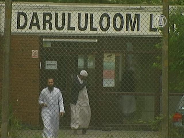Мусульманскую школу в Лондоне подожгли специально?