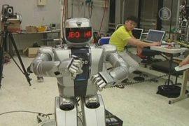 Робот танцует в стиле «Gangnam»