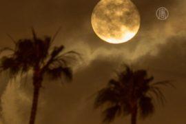 Австралийцы наблюдали супер-Луну