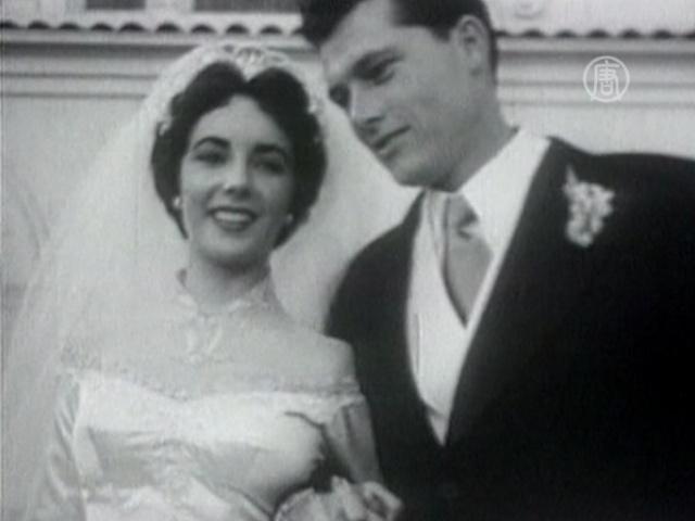 Свадебное платье Лиз Тейлор ушло с молотка
