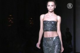 Гламур от Versace на подиуме Парижа
