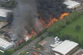 Сильный пожар в Британии вызвал китайский фонарик