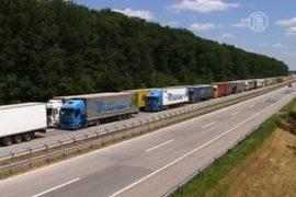 На границе с Хорватией застряли сотни фур
