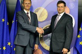 В Латвии ввели евро