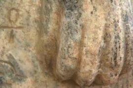 В Израиле нашли лапы уникального сфинкса из Египта