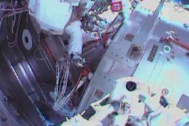 Выход в космос прервали из-за утечки воды