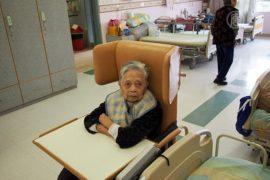 Суд обязал китайцев навещать пожилых родителей