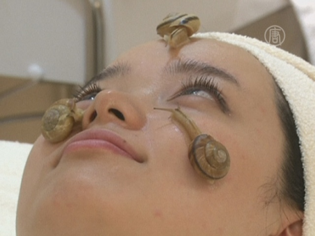 Улитки на лице помогают омолодиться