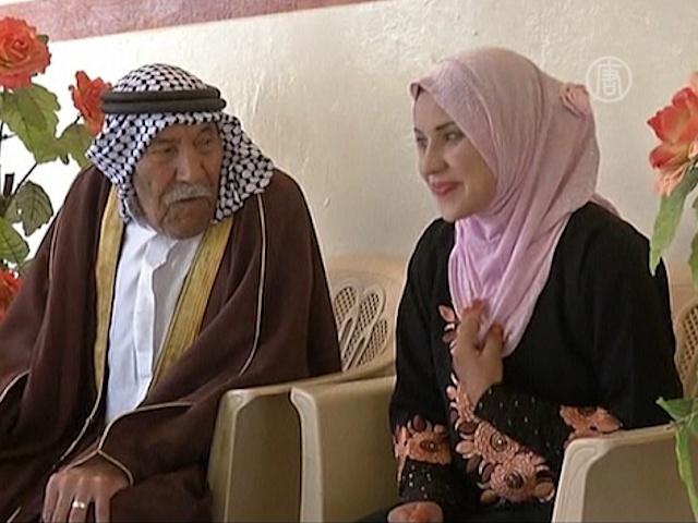 Фермер женился на девушке на 70 лет младше