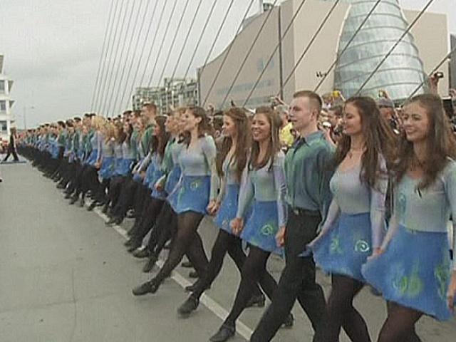 Ирландские танцы на мосту: установлен рекорд