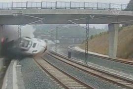Крушение поезда в Испании показали на видео