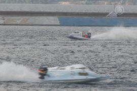 Формула-1 на воде прошла под Киевом
