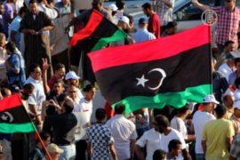 После взрывов в Бенгази люди вышли на улицы