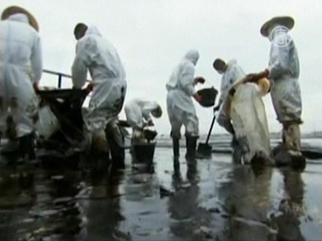 Тайский курорт настигло нефтяное пятно