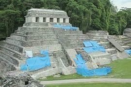 Археологи просвечивают древний храм майя