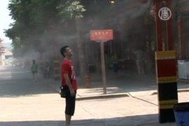 Туристов в КНР охлаждают «распылители прохлады»