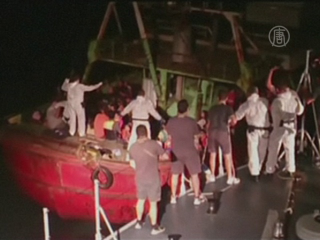 161 мигрант добрался до Сицилии на ржавой лодке