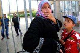 Курды Сирии спасаются от повстанцев