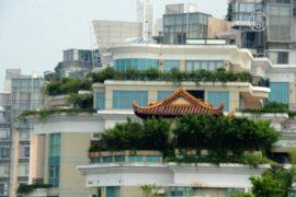 Храм построили на крыше многоэтажки