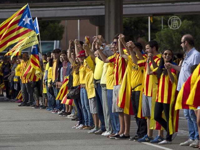 Каталонцы потребовали независимости живой цепью
