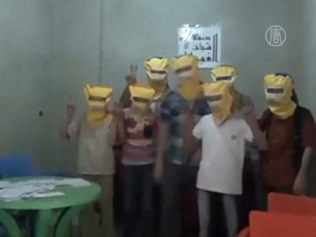 Жители Дамаска мастерят противогазы
