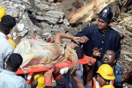 Число жертв обрушения 5-этажки в Индии достигло 60