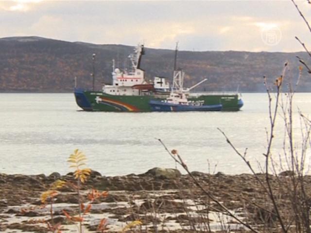 Пятерых активистов «Гринпис» обвинили в пиратстве