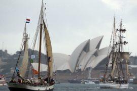 В Сиднее начался торжественный осмотр судов